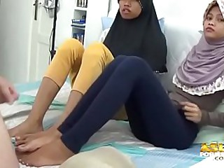 Asian Muslim Teens Footjobs and jerkoff
