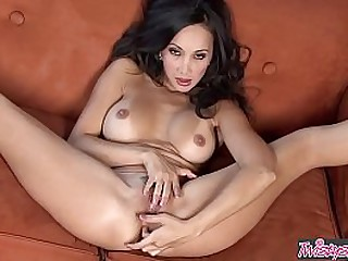 Asian milf solo - Twistys