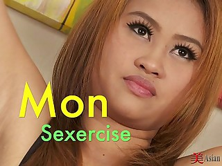 Asian Cutie Mon Solo Sexercise