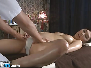 Japanese masseuse can't resist to marvelous lady